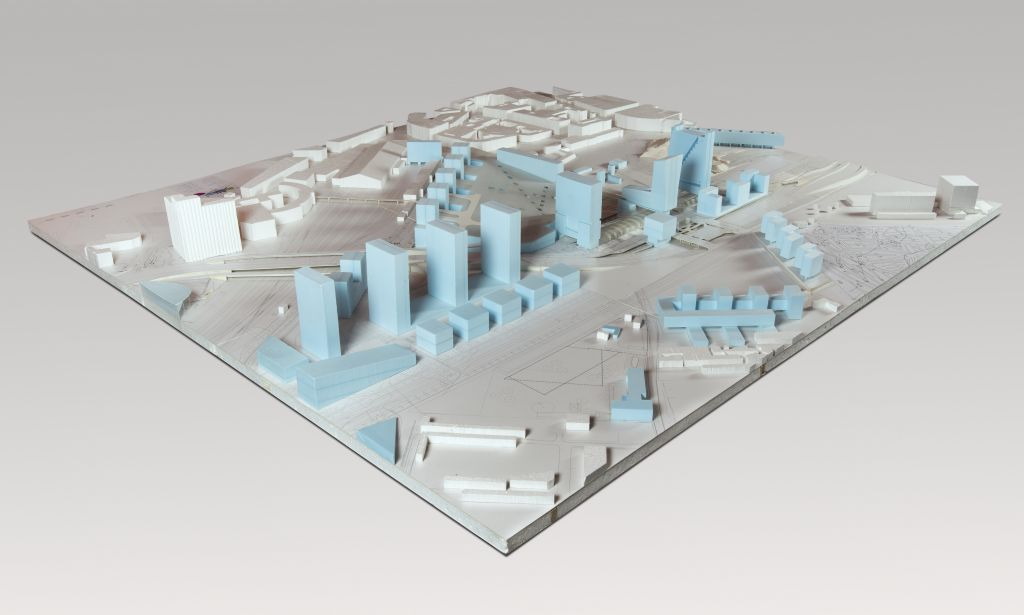 Euralille Model of the plan for the area, with high-rise buildings over the TGV station. Collection: NAI, OMAR